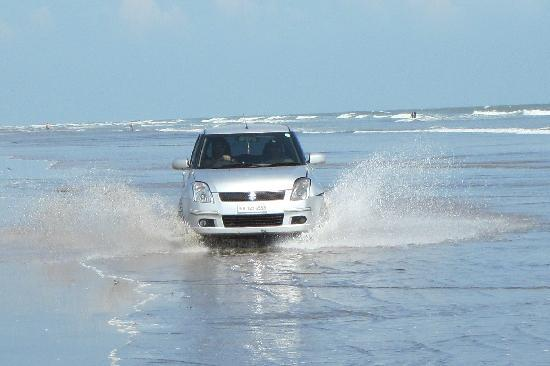 Mandarmoni, India: driving on the beach