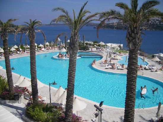 Hotel Baia Bodrum: Autre vue de la piscine
