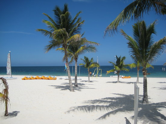 Excellence Riviera Cancun: the beach