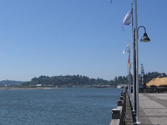 The Mill Casino Hotel: Looking South on Coos Bay