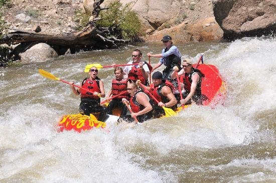 A Riverside Inn Hotel: Killer Rafting