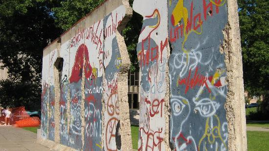 "The National Churchill Museum: ""Breakthrough"" Berlin Wall"