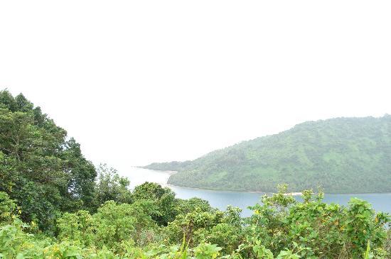 Lalati Resort & Spa: view of beqa lagoon from hike