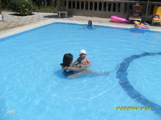Piscine pour enfants picture of mediterranee thalasso for Thalasso quiberon piscine