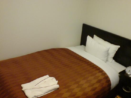 Hotel Sealuck Pal Sendai : ベッッド
