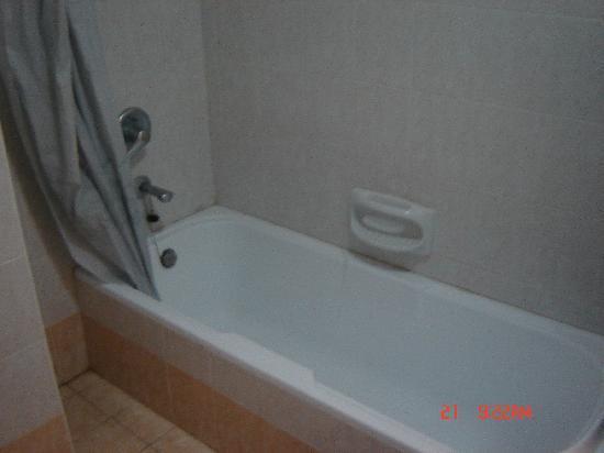 Euroclub Hotel : bathroom
