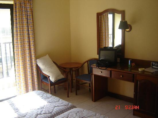 Euroclub Hotel: our room