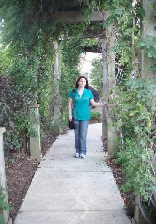 Fairfield Inn & Suites Indianapolis East: Me in the vine walkway