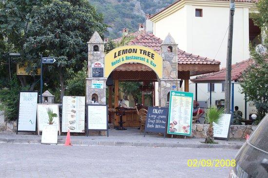 The Lemon Tree Hotel Restaurant: The Lemon Tree. The friendliest & best bar in Olu Deniz
