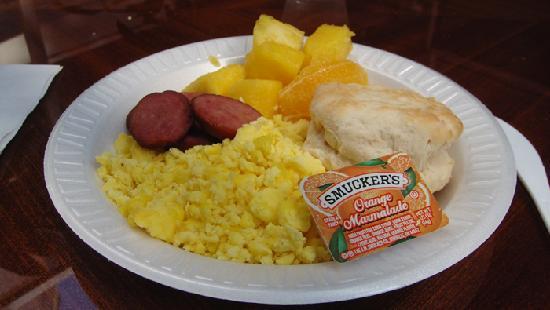 هامبتون إن مانهاتن سوهو: 08-one of our many free breakfasts