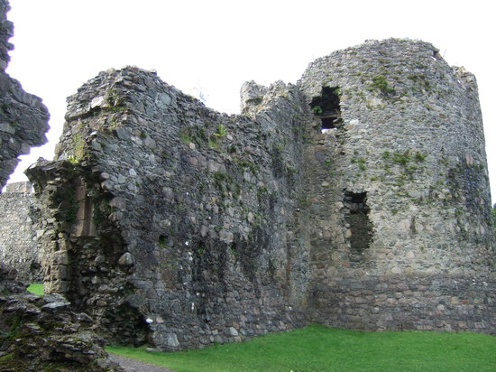 ‪Old Inverlochy Castle‬