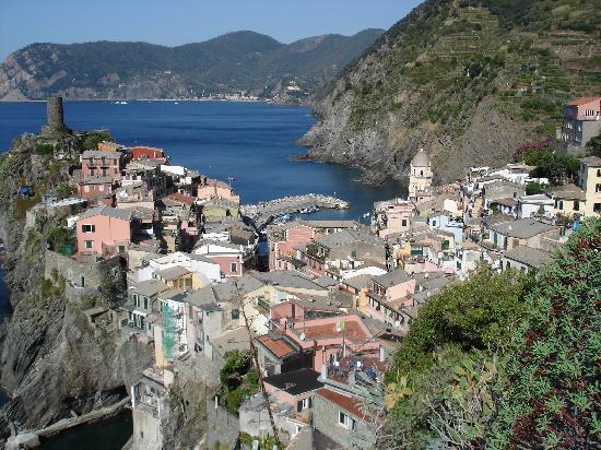 Tre Terrazzi : Vernazza från leden till Corniglia