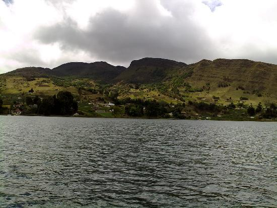 Aquitania, Colombia: Vista desde la laguna