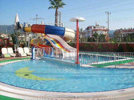 Club Aida: The slides, good fun