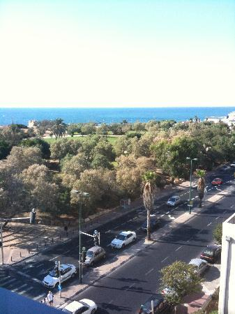 Melody Hotel   Tel Aviv - an Atlas Boutique Hotel: View from the room