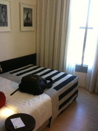 Melody Hotel   Tel Aviv - an Atlas Boutique Hotel: The room