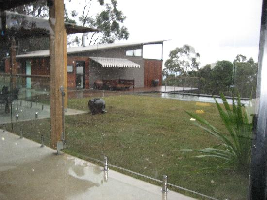 Spicers Sangoma Retreat: The view of the pool even though wet