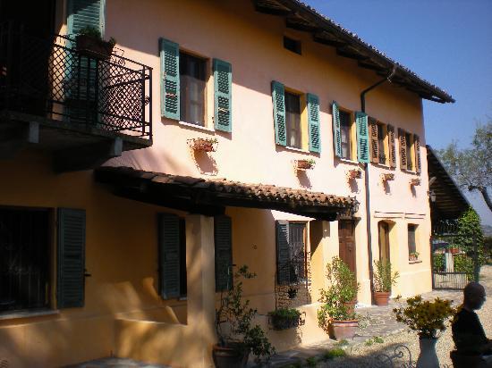 Casa di Maio: Outside of B & B