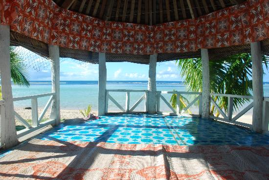 Tailua Beach Fales: Do you get a better view from your bed anywherre else in the world?