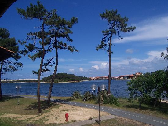 Soustons, Франция: vue sur le lac