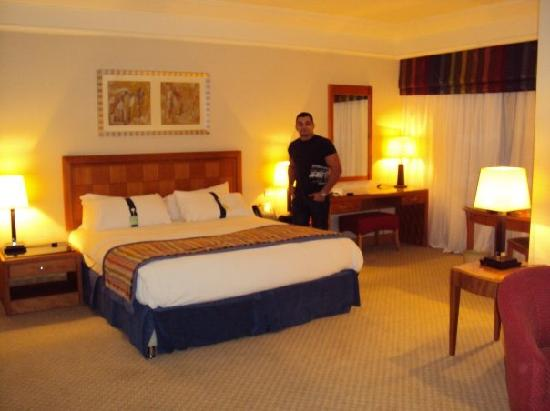 Holiday Inn - Citystars: clean rooms