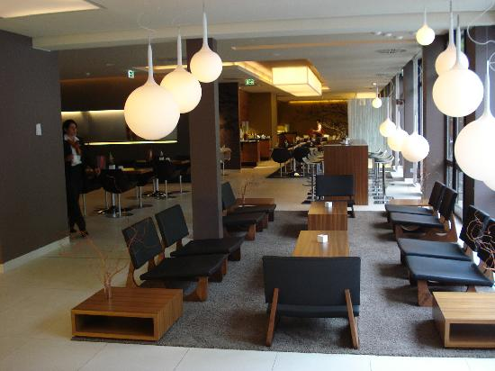 Novotel Nuremberg Messezentrum: the lobby