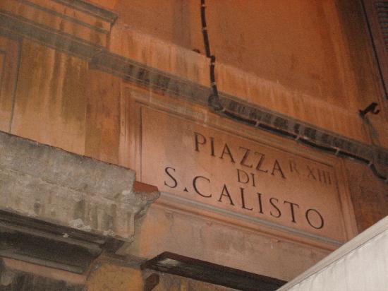 Calisto 6 Bed & Breakfast: Piazza S. Calisto