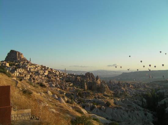 Burcu Kaya Hotel: 気球の大群とウチラサール