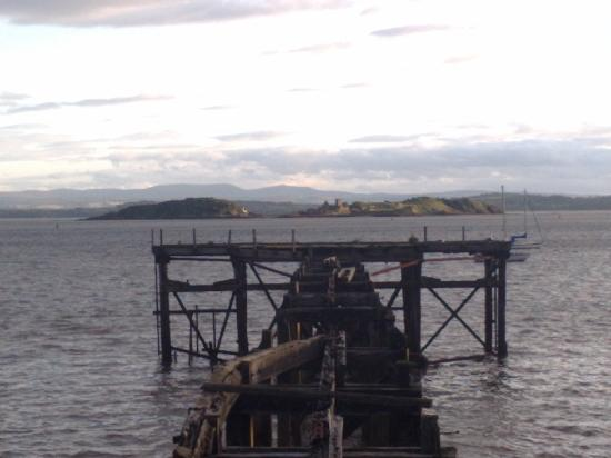 Forth View Hotel: old pier looking out to islands