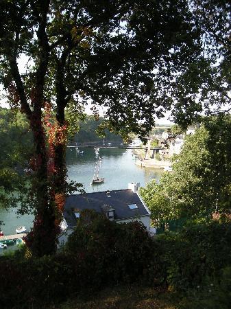 Bono, France: La rivière vue du balcon