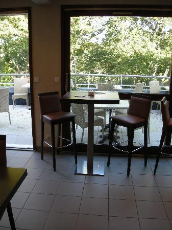 Hotel Alicia : Les tables du petit déjeuner