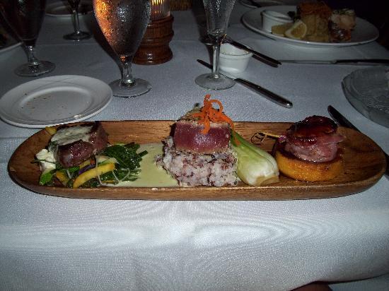 Sea House Restaurant: Filet, Ahi and Scallops
