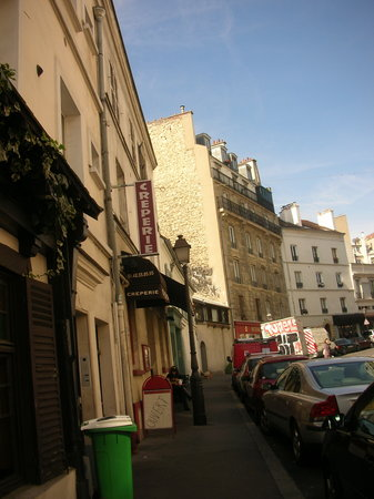 Lepic Assiette: Street View of Lepic Assiette