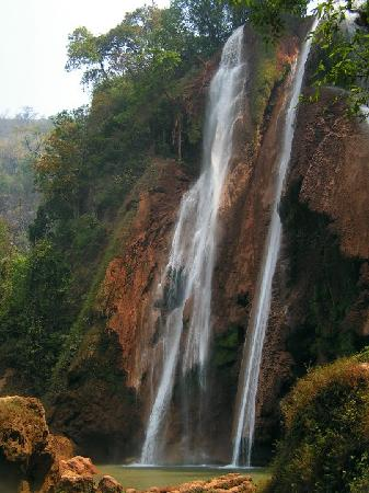 Pyin Oo Lwin (Maymyo), พม่า: A nee sa khan water fall,