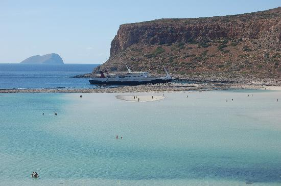 Balos Lagoon: Island of sand in the lagoon
