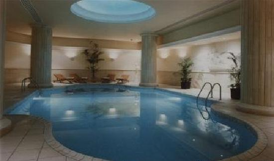 Golden Tulip Vivaldi Hotel: piscina interna