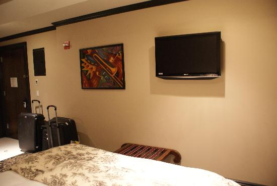 The French Quarters Guest Apartments: TV
