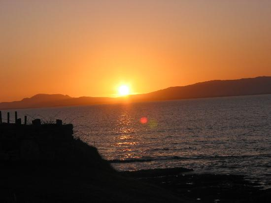 Creevy Pier Hotel: sunset in may