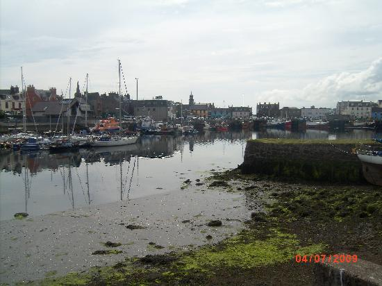 County Hotel: pic of the harbour on the walk around the  castle grounds