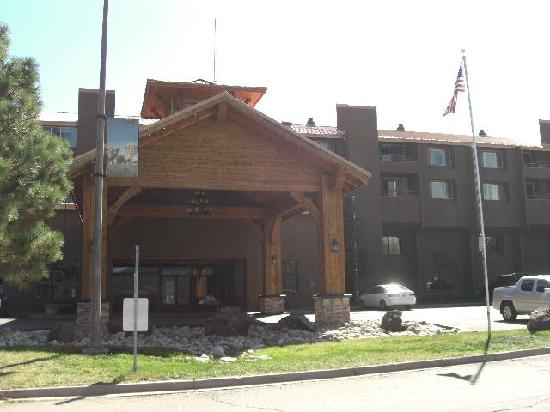 Angel Fire, NM: front of the hotel