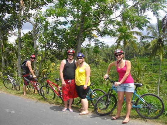 Happy Bike Bali Cycling Tour: On the road