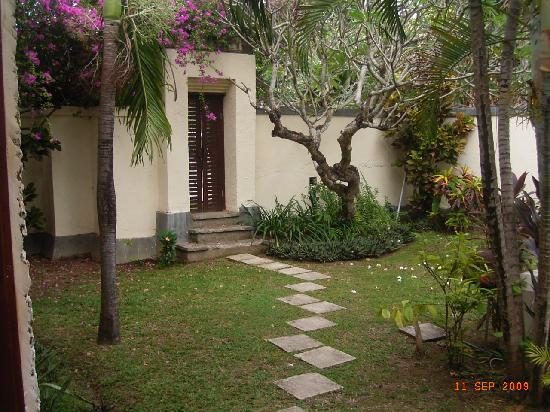 Natah Bale Villa: our private garden