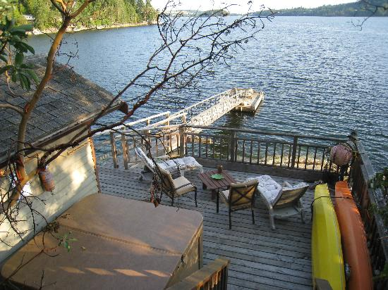 Coracle Cove Waterfront Suite: More than your typical B and B!