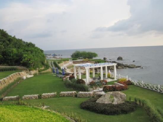 Thunderbird Resorts & Casinos - Poro Point : The perfect wedding location overlooking the beach