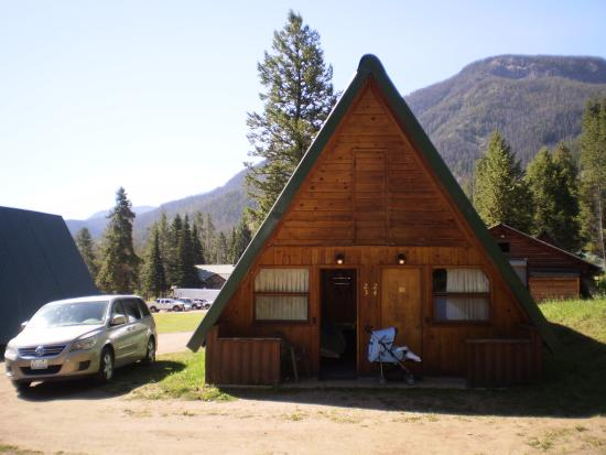 Pahaska Teepee Resort: our cabin