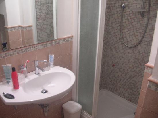 Donatello Bed & Breakfast: il bagno