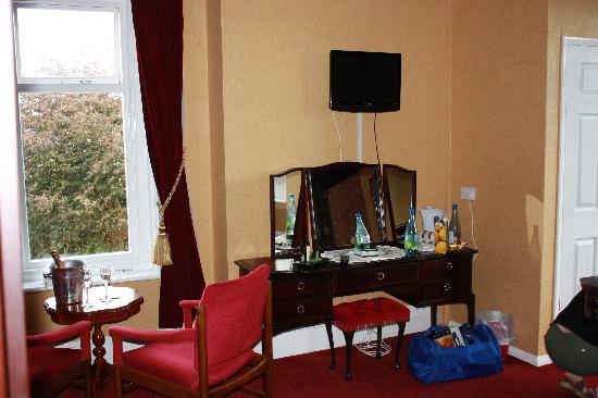 Eastmount Hall Hotel: Spacious room