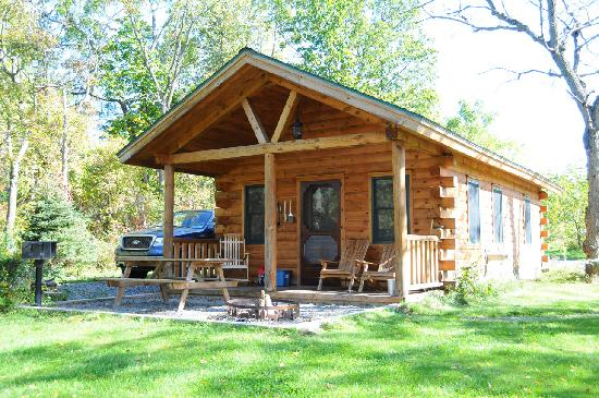 Finger Lakes Mill Creek Cabins: Cabin