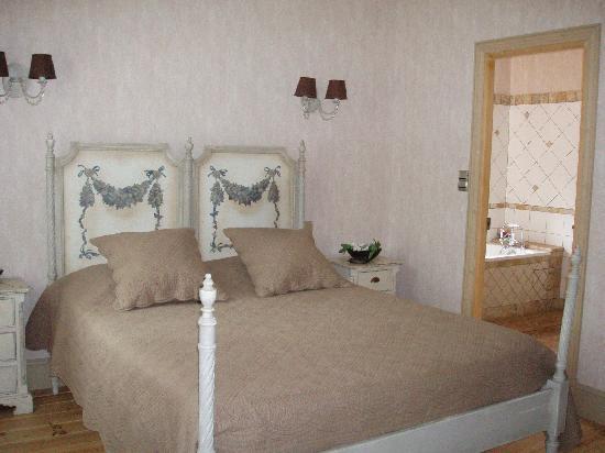 Demeure Saint Louis: Bedroom