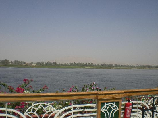 Sonesta St. George Hotel Luxor: Pontoon over the Nile